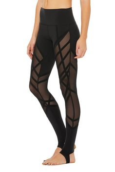 The High-Waist Wrapped Stirrup Legging is a forward-thinking staple. This legging features a unique mesh paneling and offers ultimate breathability. Leggings Mode, Crop Top And Leggings, Cheap Leggings, Leggings Fashion, Workout Leggings, Workout Pants, Printed Leggings, Sexy Workout Clothes, Highwaisted Leggings