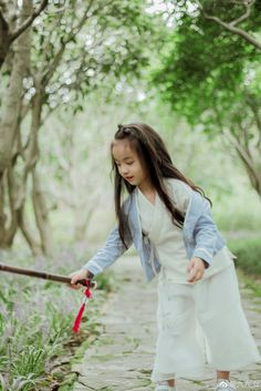 Asian Fashion, Kids Fashion, Chinese Clothing, Chinese Dresses, Chinese Cartoon, Indian Baby, Asia Girl, Hanfu, Chinese Style
