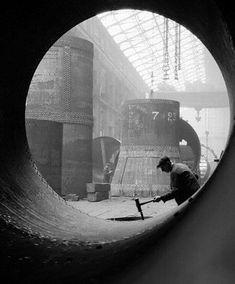 E.O. Hoppe, Boiler Shop at Vickers Armstrong Factory, 1928