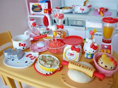 re-ment hello kitty i love cooking http://www.modes4u.com/japanese/hello+kitty+re-ment