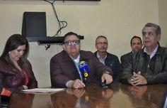 El secretario general del colegio de Bachilleres, José Acuña Peralta, acusó al gobernador del estado, Javier Corral Jurado de mentiroso,....