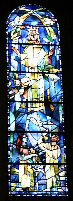 Glas in Lood Kroning van Maria in de hemel 1962  Fatimakerk Brunsum Kerken in Limburg
