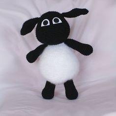 Patrón amigurumi gratuito del adorable corderito Timmy de la serie Timmy Time que tanto les gusta a los peques de la casa. ¡Aprende a tejer con Xicotet!