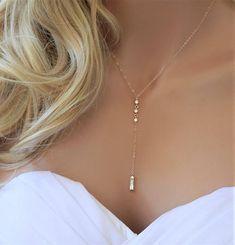 Gold CZ Lariat Hochzeit Halskette Brautschmuck Gold Diamant Source by Diamond Pendant Necklace, Lariat Necklace, Diamond Jewelry, Gold Jewelry, Diamond Necklaces, Jewellery Box, Jewellery Shops, Jewelry Stores, Tanishq Jewellery
