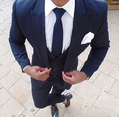 Amazing suit ! Perfectly tailored!