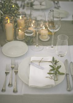 Simple Elegant Place Settings | Stylish Al Fresco Wedding in Tuscany | Divine Day Photography | Bridal Musings Wedding Blog