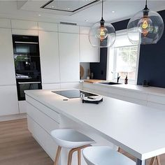 Consider Installing Kitchen Islands To Go With Your Unique Kitchen Design – Home Dcorz Kitchen Room Design, Modern Kitchen Design, Kitchen Layout, Interior Design Kitchen, Diy Kitchen, Room Kitchen, Kitchen Hacks, Kitchen Designs, Kitchen Ideas