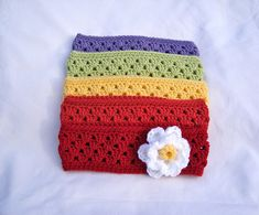 A girl can never have enough headbands. Granny Stripe Headband Perfect for a little girl or a big girl. Headband with Flower When I first learned crochet, this was the first headband I ever … Love Crochet, Crochet For Kids, Crochet Baby, Knit Crochet, Crochet Granny, Simple Crochet, Crochet Flowers, Crochet Ear Warmer Pattern, Crochet Headband Pattern
