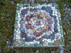 Agate & Rock Mosaic Stepping Stone by FluffyPuppiesMosaics, via Flickr Pebble