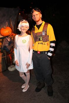 Costumes - EVE and WALL-E by Loren Javier, via Flickr