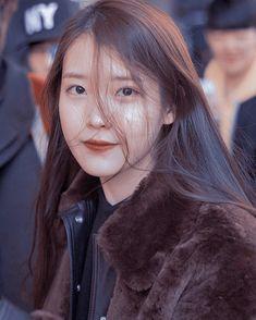 Iu Twitter, Twitter Icon, Red Velvet, Kpop Aesthetic, Aesthetic Themes, Ulzzang Korean Girl, I Meet You, Girl Crushes, My Idol