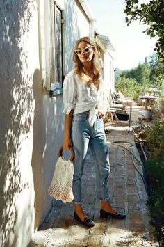 Spring Look | White knotted shirt | denim | straw bag