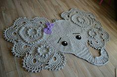 Crochet Elephant rug. Photo props. Baby shower por AriannasHandmade
