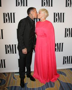 Pin for Later: Pink and Carey Hart Bring Adorable PDA to the Red Carpet