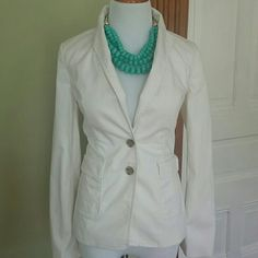 Trina Turk for Banana republic white sateen blazer Gorgeous white blazer with tortoise shell buttons and fun detail around the collar and Trina Turk's signature print. 100% cotton has some stretch to it too so its pretty comfortable. Banana Republic Jackets & Coats Blazers