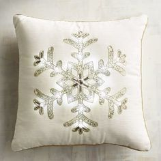 Light-Up Snowflake Pillow . substitute snowflake for a star fish Christmas Doormat, Christmas Rugs, Christmas Bedding, Christmas Cushions, Christmas Lights, Christmas Decorations, Christmas 2016, Christmas Presents, Christmas Crafts