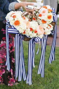 Flower girl baskets with navy ribbon. Photography By / staceyhedman.com, Planning, Styling   Floral Design By / lovelylittledetails.com