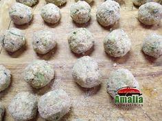 chiftelute 2 Tzatziki, Ethnic Recipes, Food, Salads, Essen, Meals, Yemek, Eten