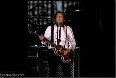 Paul McCartney desata la locura en el estadio del último concierto de los Beatles - http://www.leanoticias.com/2014/08/15/paul-mccartney-desata-la-locura-en-el-estadio-del-ultimo-concierto-de-los-beatles/