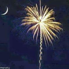 Awesome fireworks under the Carolina Moon! #lovelifeinthesouth