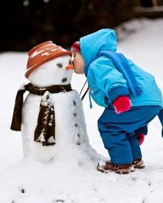 Frosty The Snowmen, Cute Snowman, The Night Before Christmas, Christmas Time, Snow Much Fun, Snow Girl, Building For Kids, Kissing Him, Little Boys