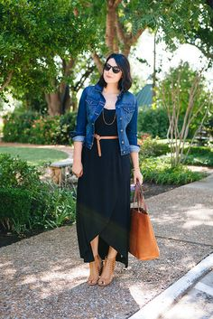 Belted black maxi dress with tan accessories (including fabulous Madewell tote). Belted black maxi dress with tan accessories (including fabulous Madewell tote). Summer Outfits Women 30s, Casual Summer Outfits, Spring Outfits, Casual Dresses, Summer Dresses, Summer Work Outfits Plus Size, Formal Outfits, Winter Outfits, Mode Hippie