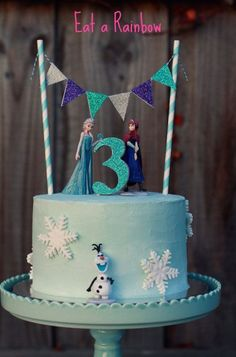 Make your own dazzling Frozen themed cake. This listing will include a set of six figures (plastic) to decorate your cake and keep to play with after (Party Top Birthday) Frozen Cake Decorations, Frozen Theme Cake, Frozen Birthday Cake, 3rd Birthday Cakes, Birthday Parties, 4th Birthday, Birthday Ideas, Bolo Frozen, Torte Frozen