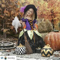 #pumpkin #halloween #halloweenfk  #babyphoto #babylove #babys #girls #party #studio #concept #photographt #photo #trickortreat