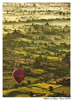 Balloon ride over Bagan, Birma Places Around The World, Oh The Places You'll Go, Travel Around The World, Places To Travel, Places To Visit, Around The Worlds, Bagan, Balloon Rides, Hot Air Balloon
