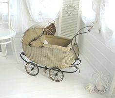 ~♡~  Antiker Puppenwagen  ~♡~ von Weidenröschen auf DaWanda.com
