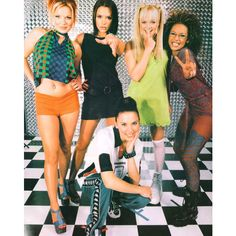 An image of Spice Girls ❤ liked on Polyvore featuring pictures, people, backgrounds, music and pics