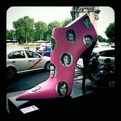 Made in Spain - ShoeStreetArt / de Alejandro Torres @ Puerta de Alcalá // un total de 26 zapatos de 2,5 metros de altura en homenaje al espíritu emprendedor de las empresas de calzado /// ... y homenaje en particular a Elda (Alicante / Comunitat Valenciana), ciudad de reconocida tradición zapatera