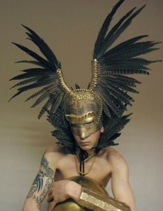 I love feather headdresses and I cannot lie. Character Inspiration, Character Design, Mode Costume, Costume Box, Diesel Punk, Mädchen In Bikinis, Cosplay, Headgear, Costume Design