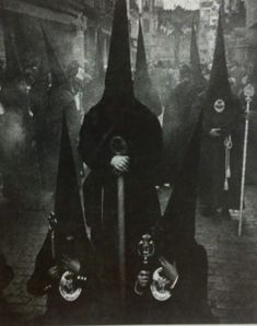 34 Really Creepy Vintage Photos That Will Give You Nightmares ~ vintage everyday Scary Photos, Creepy Images, Creepy Pictures, Creepy Art, Creepy Vintage, Vintage Horror, Arte Horror, Horror Art, Black Mass Ritual