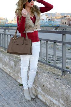 look-invierno-blanco-y-rojo-elvestidordelarubia-4.jpg (1255×1892)