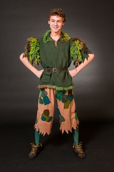 """great idea for Peter Pan - I'd rather have the pants in the same colors as the tunic - needs a typical Peter Pan hat, and maybe the """"pan"""" flute"""