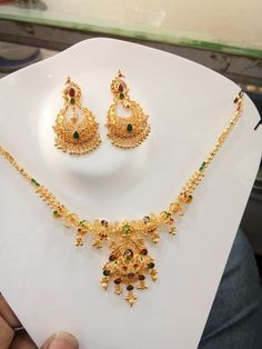 Gold Necklace Simple, Gold Jewelry Simple, Gold Jewellery, Necklace Set, Baby Necklace, Nice Jewelry, Short Necklace, Gold Bangles, Pearl Necklace Designs