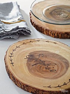 Impress your guests with a tabletop worthy of a woodsy retreat. Perfect for Thanksgiving and Christmas too!