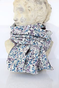 écharpe tube Snood double tour en véritable liberty NinaTaylor figue et bleu : Echarpe, foulard, cravate par les-bijoux-de-la-marquise