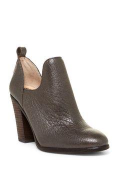 182ec245519 Federa Block Heel Bootie Vince Camuto