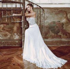 7acf26f51329 512 fantastiche immagini su Abiti da sposa