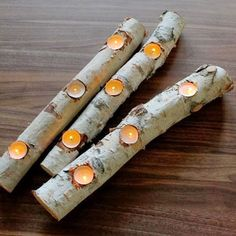 Simple tutorial for making beautiful, winter fire light from birch logs and tea candles. Maybe create a faux stack of logs in the fireplace and place tea candles accordingly? Birch Logs, Wood Logs, Birch Branches, Birch Tree Decor, Log Decor, Rustic Decor, Simple Christmas, Christmas Diy, Decoracion Low Cost