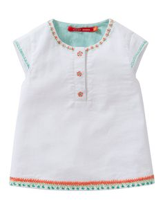 Blouse Barba. White blouse in 100% cotton with cap sleeves. With cheerful embroidery in summery colors.