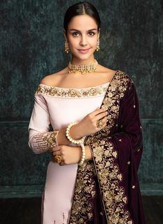 Light Pink Gharara Suit with Deep Plum Shawl features a dhupioni silk kameez with santoon inner, net bottom and santoon inner alongside a velvet shawl dupatta. Indian Suits Punjabi, Punjabi Suits Party Wear, Punjabi Dress, Pakistani Dresses, Indian Dresses, Indian Sarees, Embroidery Suits Punjabi, Embroidery Suits Design, Zardosi Embroidery