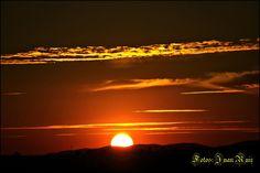 Atardecer en La Zarza (Calañas, Huelva) / Sunset over La Zarza (Calañas, Huelva), by @juanlazarza