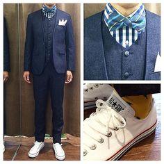 新郎衣装,デニム素材でノーカラーのスリーピース  #カジュアルウェディング #新郎衣装 #デニムスーツ #ノーカラースーツ