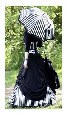Ideas for dress black gothic night circus Mode Steampunk, Victorian Steampunk, Steampunk Clothing, Steampunk Fashion, Steampunk Dress, Gothic Clothing, Gothic Victorian Dresses, Gothic Lolita, Victorian Fashion