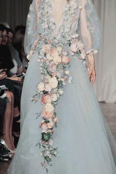 Новости Fairy Dress, Style Couture, Couture Fashion, Runway Fashion, Fashion Beauty, Beautiful Outfits, Gorgeous Dress, Spring Fashion Trends, Fashion Week