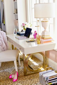 -GORGEOUS DESK WITH BRASS DETAIL.<3