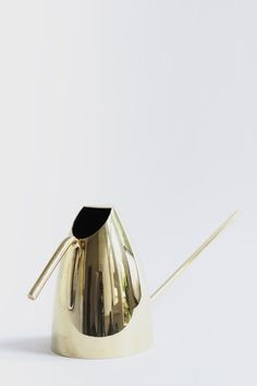 golden watering can //
